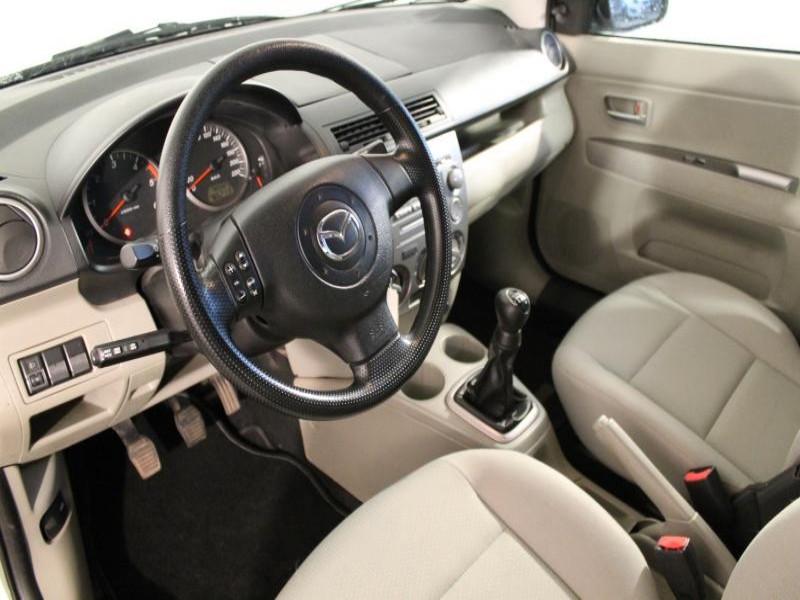 Mazda Mazda 2 1.4 CIDT 70 Vert occasion à Brest - photo n°3