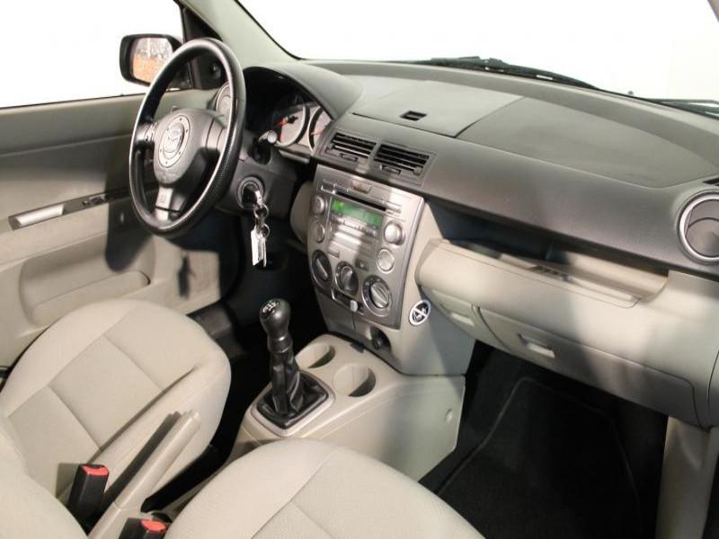 Mazda Mazda 2 1.4 CIDT 70 Vert occasion à Brest - photo n°5