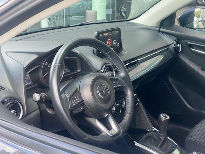 Mazda Mazda 2 1.5 SKYACTIV-G 90 Dynamique  occasion à Saint-Herblain - photo n°4
