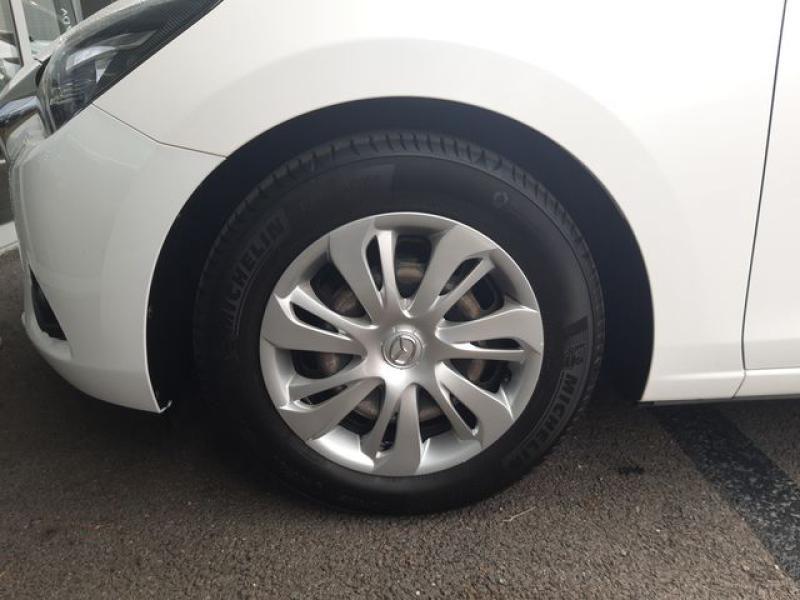Mazda Mazda 2 1.5 SKYACTIV-G 90 Elégance Blanc occasion à Cesson-Sévigné - photo n°9
