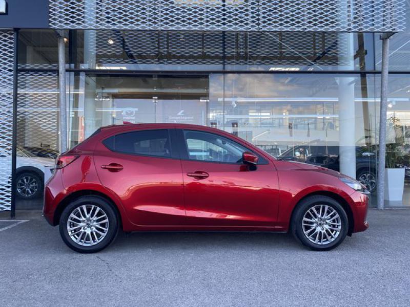 Mazda Mazda 2 1.5 SKYACTIV-G M-Hybrid 90ch Signature  occasion à Saint-Herblain - photo n°2