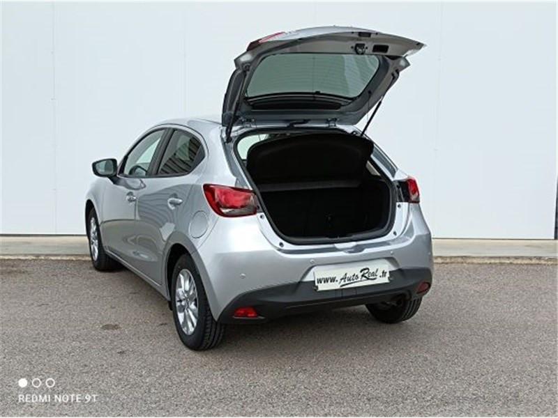 Mazda Mazda 2 1.5L SKYACTIV-G 90CH Dynamique Argent occasion à PERPIGNAN - photo n°19