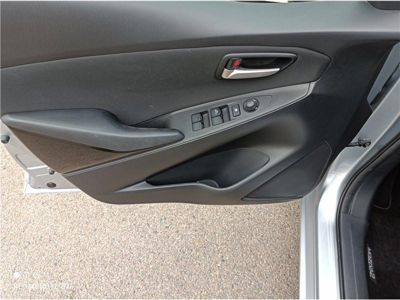Mazda Mazda 2 1.5L SKYACTIV-G 90CH Dynamique Argent occasion à PERPIGNAN - photo n°12