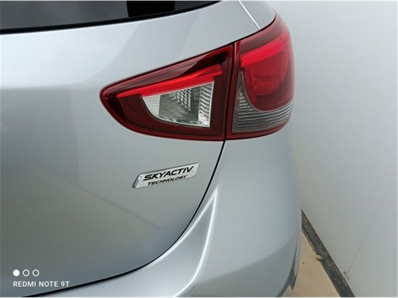 Mazda Mazda 2 1.5L SKYACTIV-G 90CH Dynamique Argent occasion à PERPIGNAN - photo n°7