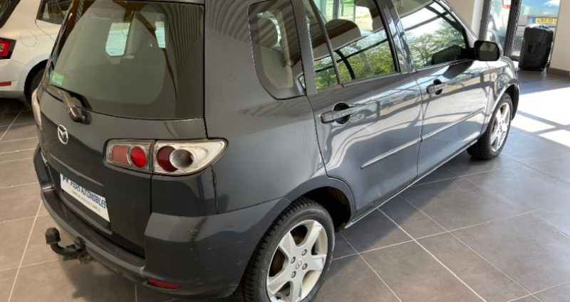 Mazda Mazda 2 MAZDA2 1.4 MZ-CD Elégance Gris occasion à CIVENS - photo n°5