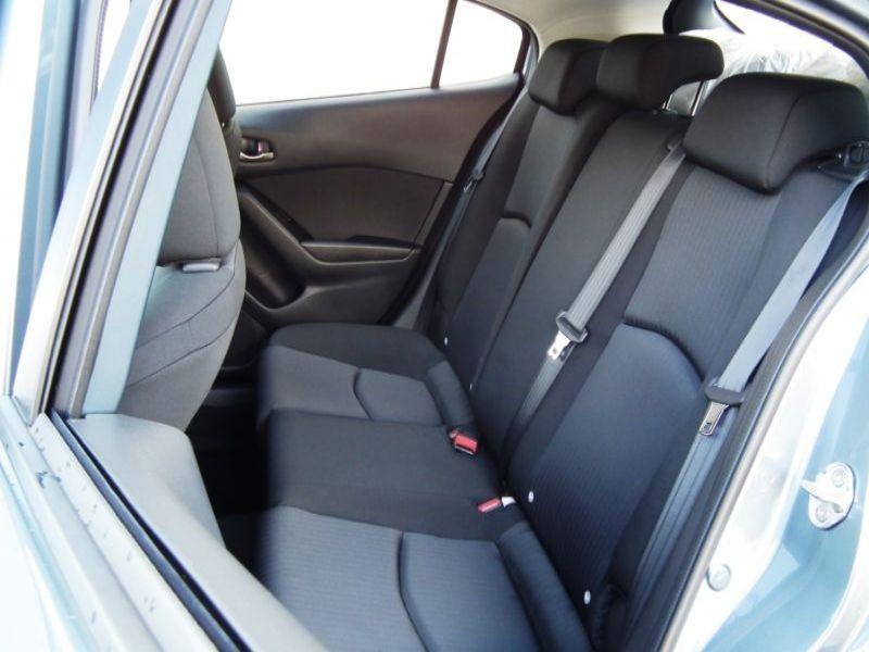 Mazda Mazda 3 1.5 Skyactiv-G 100 Bleu occasion à Beaupuy - photo n°4