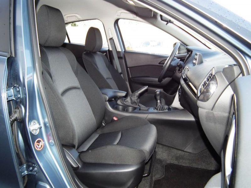 Mazda Mazda 3 1.5 Skyactiv-G 100 Bleu occasion à Beaupuy - photo n°6