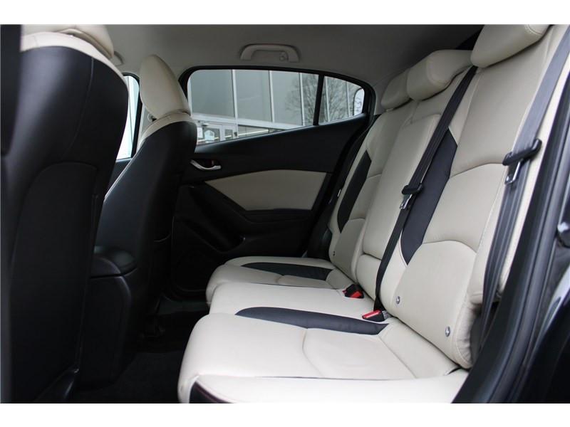 Mazda Mazda 3 1.5L SKYACTIV-D 105CH Selection Noir occasion à Muret - photo n°18