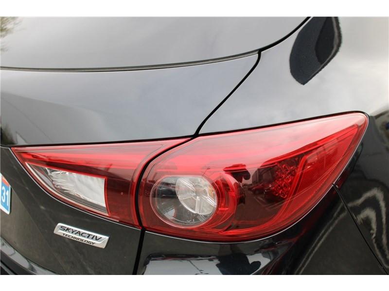 Mazda Mazda 3 1.5L SKYACTIV-D 105CH Selection Noir occasion à Muret - photo n°8