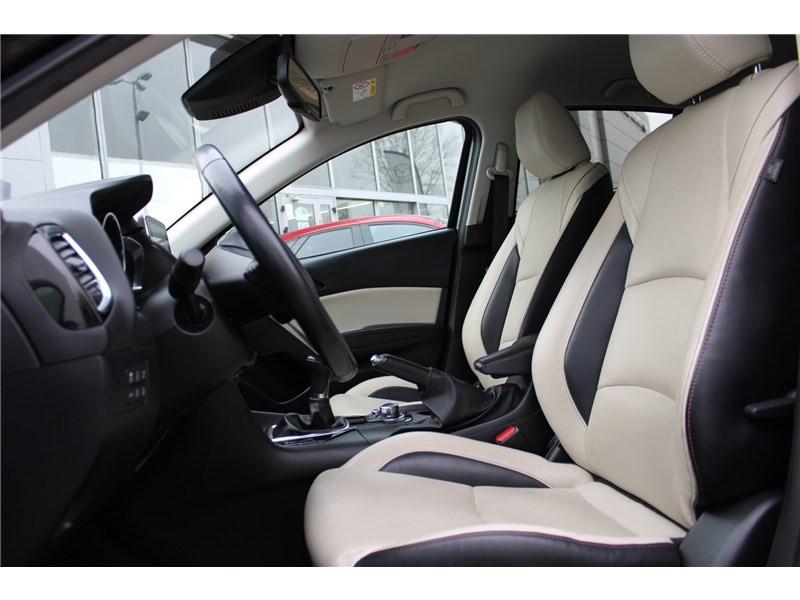 Mazda Mazda 3 1.5L SKYACTIV-D 105CH Selection Noir occasion à Muret - photo n°15
