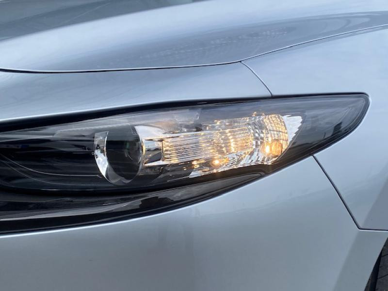 Mazda Mazda 3 2.0 e-Skyactiv-G M-Hybrid 122ch Style  occasion à Saint-Herblain - photo n°8