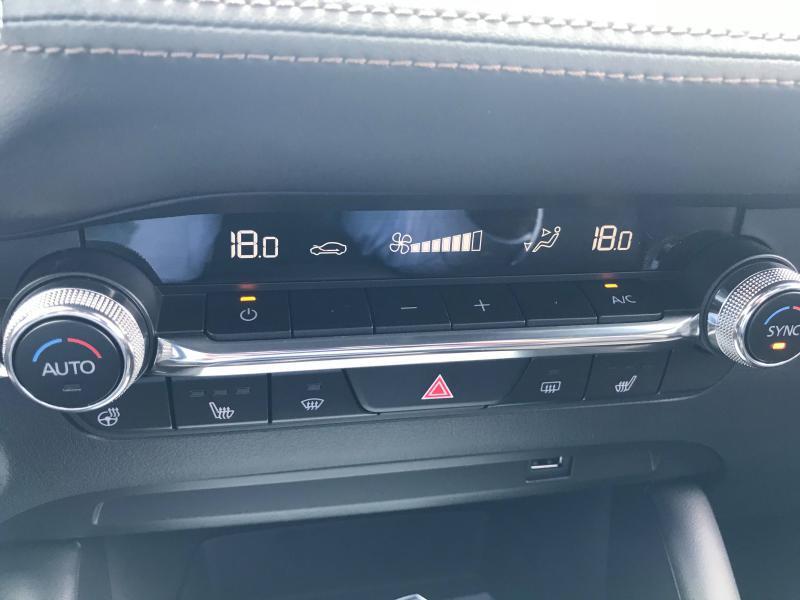 Mazda Mazda 3 2.0 e-Skyactiv-X M-Hybrid 186ch Exclusive BVA  occasion à Mérignac - photo n°12