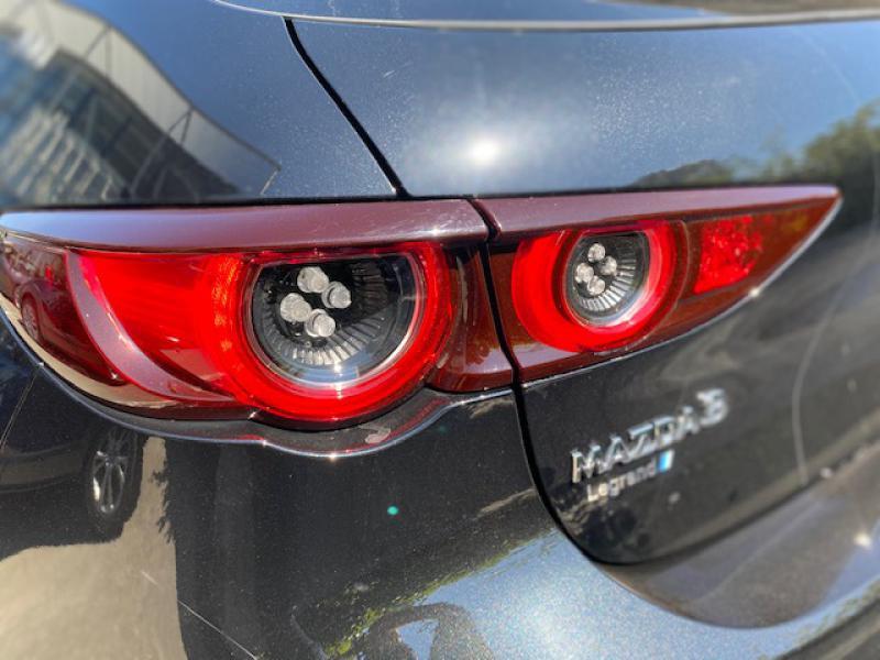 Mazda Mazda 3 2.0 e-Skyactiv-X M-Hybrid 186ch Exclusive BVA Noir occasion à Saint-Herblain - photo n°6
