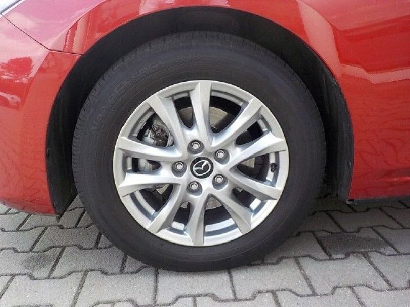 Mazda Mazda 3 2.0 SkyActiv-G 120 Rouge occasion à Beaupuy - photo n°9