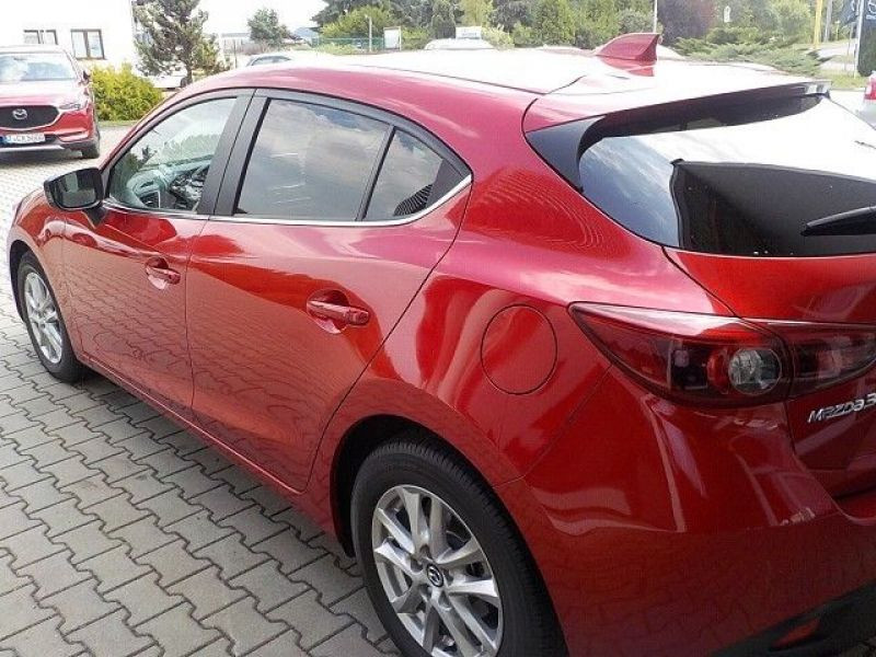 Mazda Mazda 3 2.0 SkyActiv-G 120 Rouge occasion à Beaupuy - photo n°3