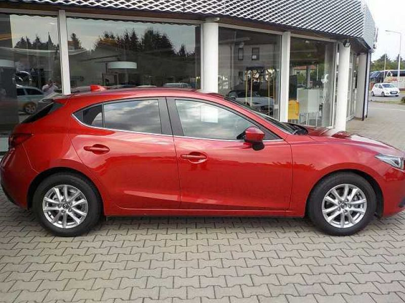 Mazda Mazda 3 2.0 SkyActiv-G 120 Rouge occasion à Beaupuy - photo n°8