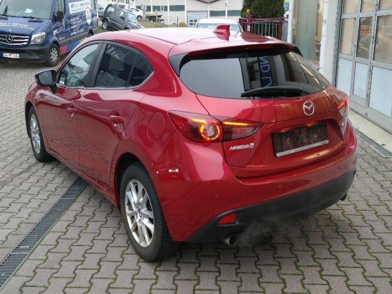 Mazda Mazda 3 2.0 SkyActiv-G 120 Rouge occasion à Beaupuy - photo n°2