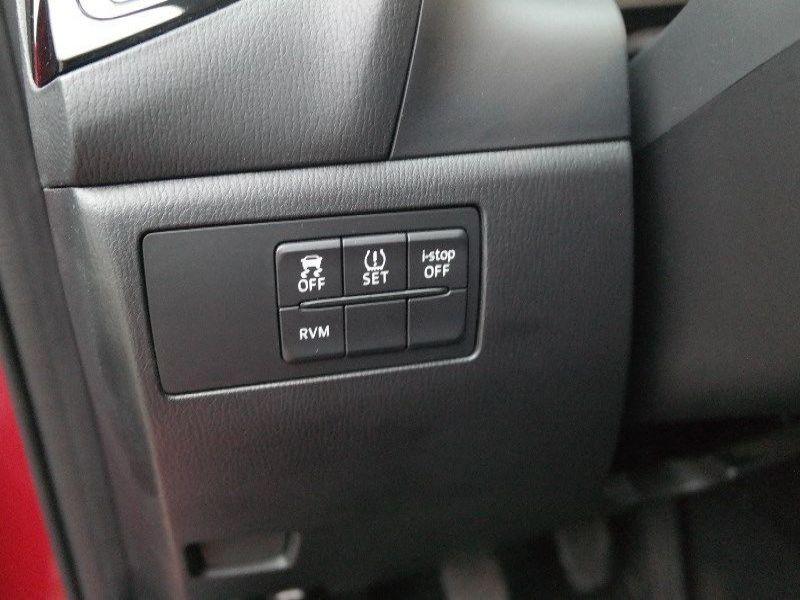 Mazda Mazda 3 2.0 SkyActiv-G 120 Rouge occasion à Beaupuy - photo n°6