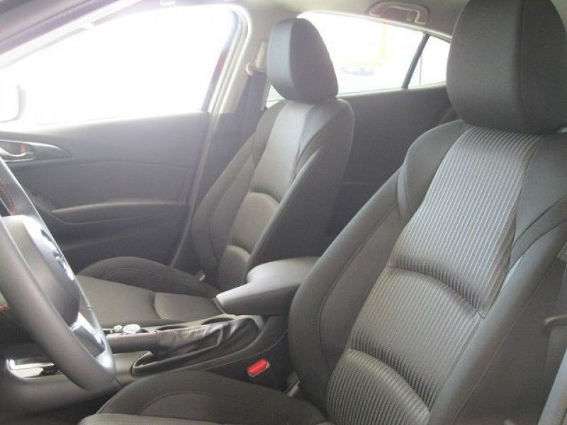 Mazda Mazda 3 2.0 SkyActiv-G 165 Gris occasion à Beaupuy - photo n°6