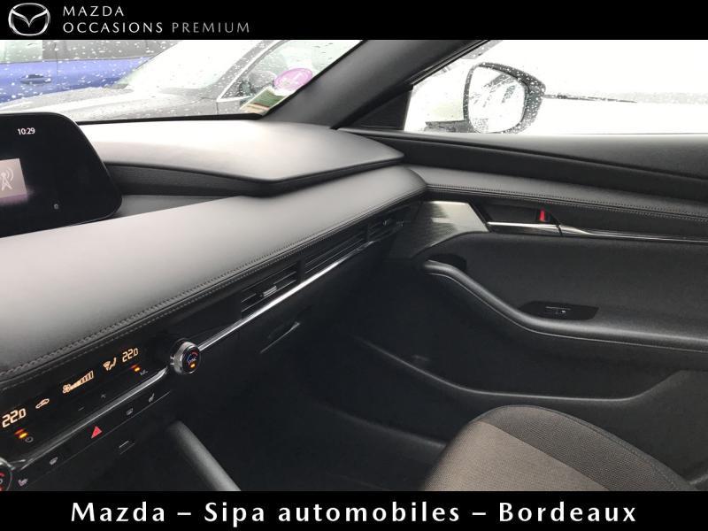 Mazda Mazda 3 2.0 Skyactiv-G M-Hybrid 122ch Sportline Evap Blanc occasion à Mérignac - photo n°19