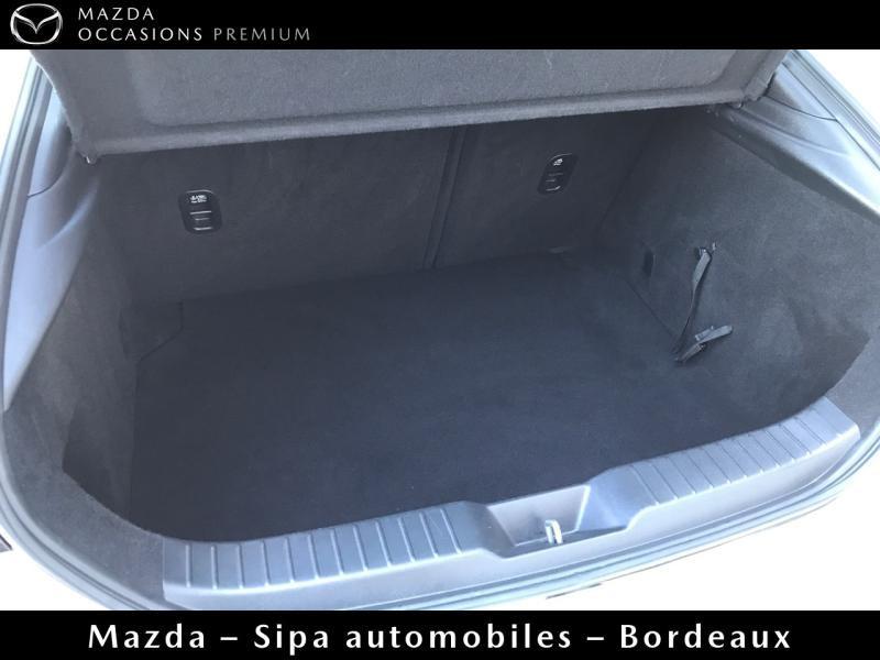 Mazda Mazda 3 2.0 Skyactiv-X M-Hybrid 180ch Business Executive Evap 10cv Blanc occasion à Mérignac - photo n°5