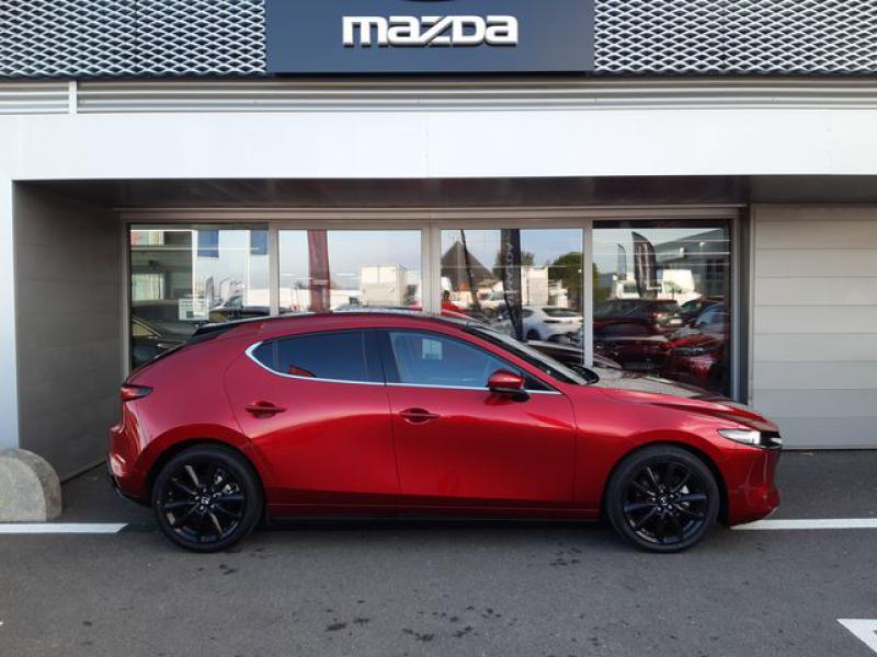 Mazda Mazda 3 2.0 Skyactiv-X M-Hybrid 180ch Exclusive Evap 10cv  occasion à Saint-Brieuc - photo n°4