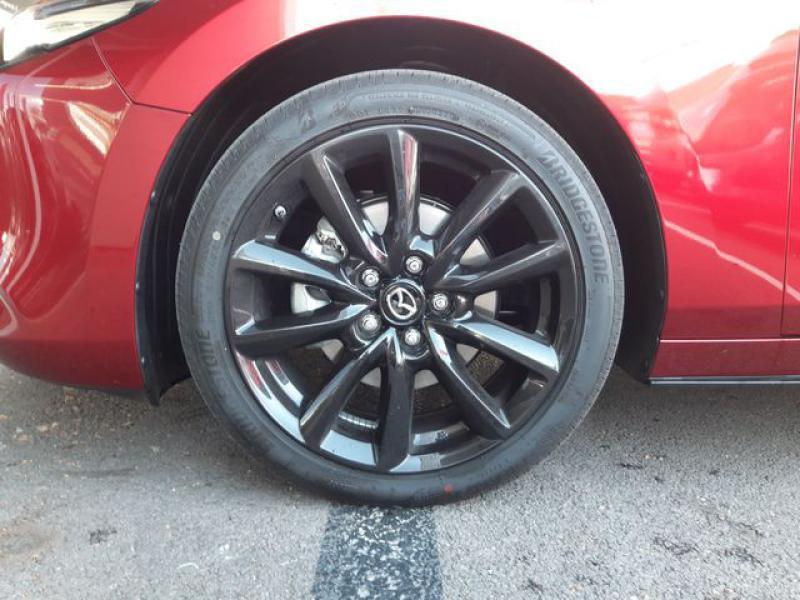 Mazda Mazda 3 2.0 Skyactiv-X M-Hybrid 180ch Exclusive Evap 10cv  occasion à Saint-Brieuc - photo n°9