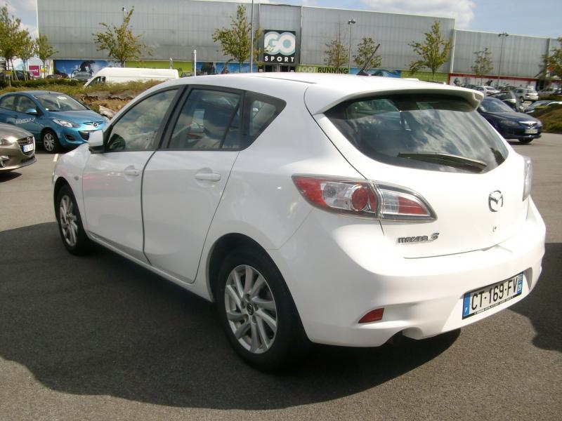Mazda Mazda 3 CONFORT DIESEL 115 Blanc occasion à Brest - photo n°3