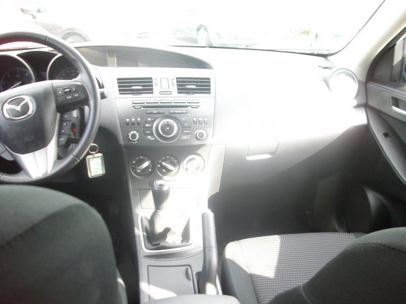 Mazda Mazda 3 CONFORT DIESEL 115 Blanc occasion à Brest - photo n°7