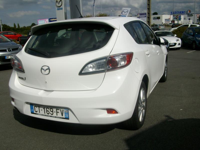 Mazda Mazda 3 CONFORT DIESEL 115 Blanc occasion à Brest - photo n°4
