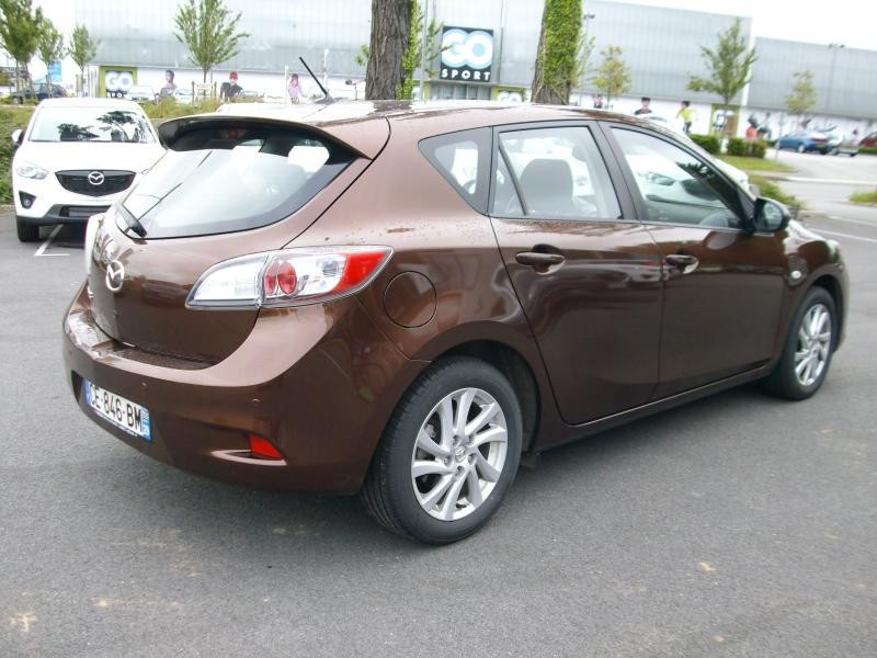 Mazda Mazda 3 ELEGANCE MZCD 115 Marron occasion à Brest - photo n°3