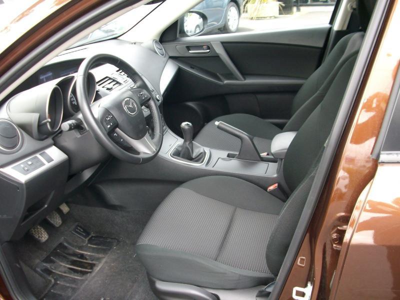 Mazda Mazda 3 ELEGANCE MZCD 115 Marron occasion à Brest - photo n°5