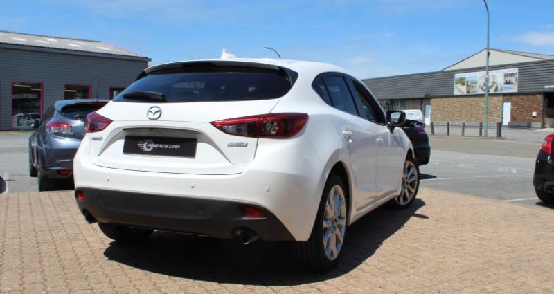 Mazda Mazda 3 III 2.0 SKYACTIV-G 120 Dynamique 5p Blanc occasion à COIGNIERES - photo n°4
