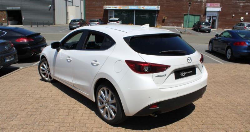Mazda Mazda 3 III 2.0 SKYACTIV-G 120 Dynamique 5p Blanc occasion à COIGNIERES - photo n°6