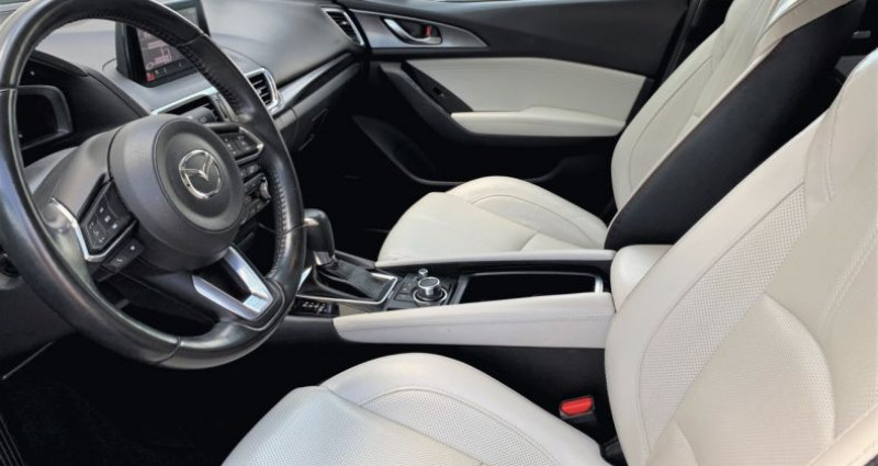 Mazda Mazda 3 III 2.2 SKYACTIV-D 150 Sélection BVA Gris occasion à EPAGNY - photo n°2