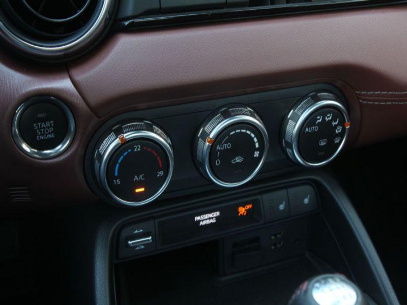 Mazda MX-5 2.0 Skyactiv-G 160 RF Gris occasion à Beaupuy - photo n°7