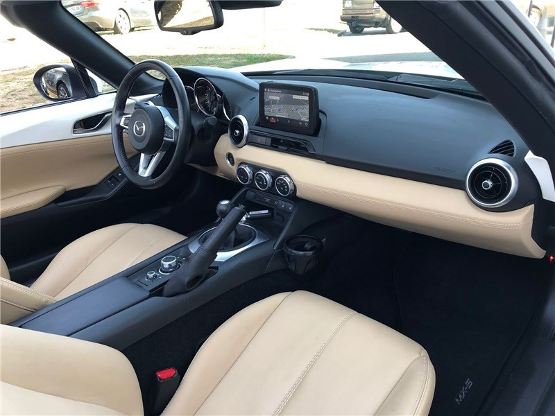 Mazda MX-5 MX5 ST 1.5L SKYACTIV-G 131 ch Cherry Top Blanc occasion à PERPIGNAN - photo n°13