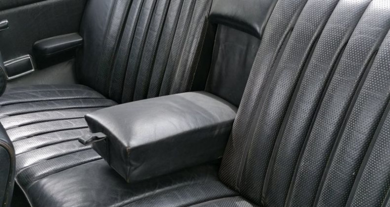 Mercedes 250 CE Blanc occasion à CHAGNY - photo n°7