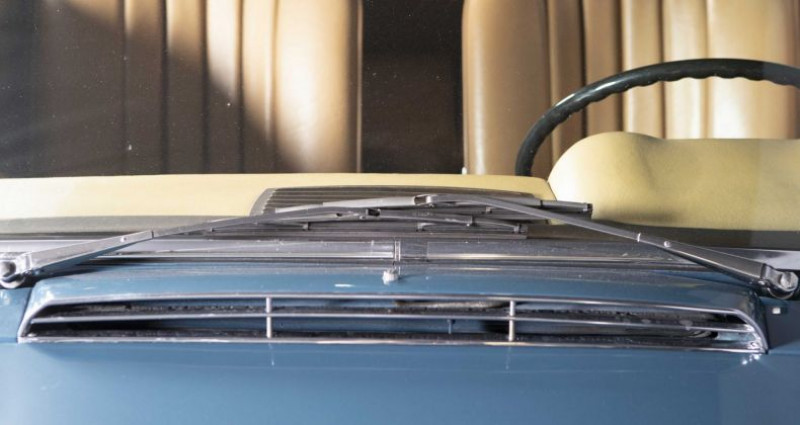 Mercedes 250 SL Pagode 1967 Bleu occasion à Brest - photo n°3
