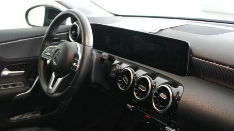 Mercedes Classe A 180 (W177) 180 136CH PROGRESSIVE LINE 7G-DCT Noir occasion à Villenave-d'Ornon - photo n°3