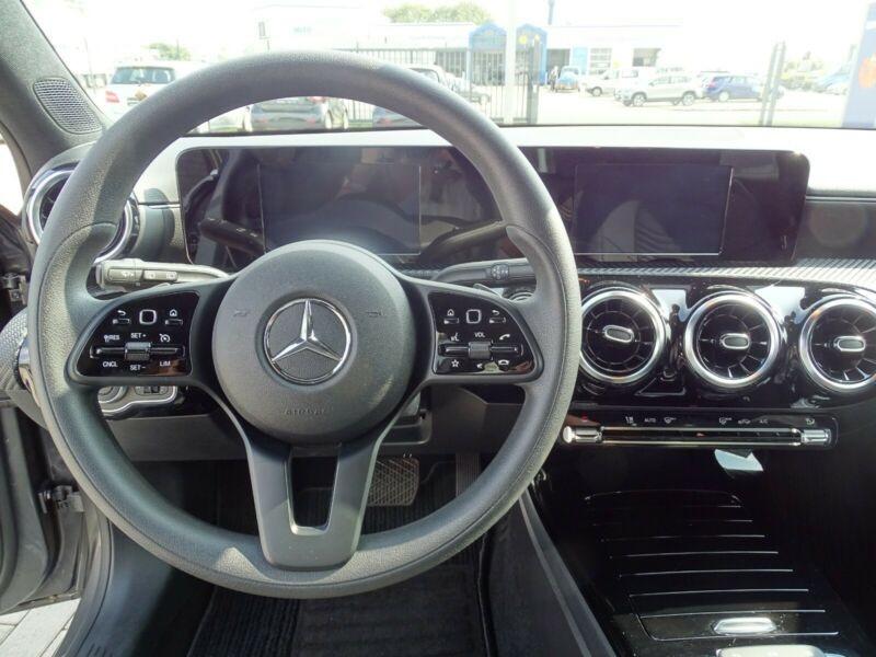 Mercedes Classe A 180 (W177) 180 136CH PROGRESSIVE LINE 7G-DCT Gris occasion à Villenave-d'Ornon - photo n°8