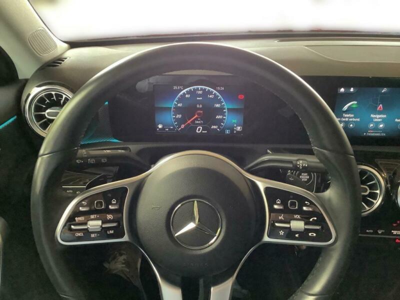 Mercedes Classe A 180 (W177) 180 136CH PROGRESSIVE LINE 7G-DCT Rouge occasion à Villenave-d'Ornon - photo n°3