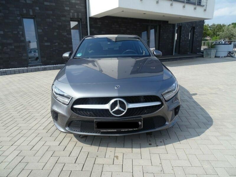 Mercedes Classe A 180 (W177) 180 136CH PROGRESSIVE LINE 7G-DCT Gris occasion à Villenave-d'Ornon - photo n°2