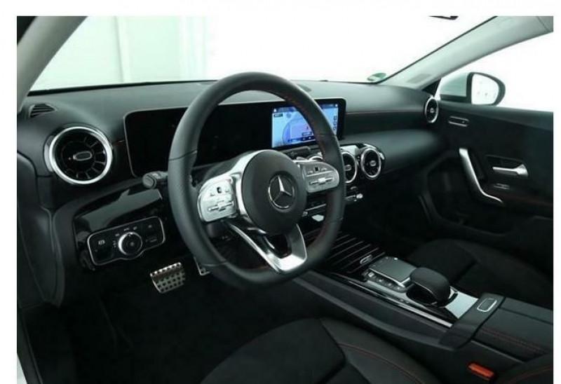 Mercedes Classe A 180 (W177) 180 D 116CH AMG LINE 7G-DCT Blanc occasion à Villenave-d'Ornon - photo n°5
