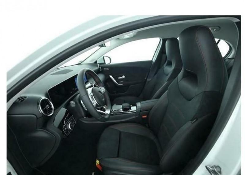 Mercedes Classe A 180 (W177) 180 D 116CH AMG LINE 7G-DCT Blanc occasion à Villenave-d'Ornon - photo n°4