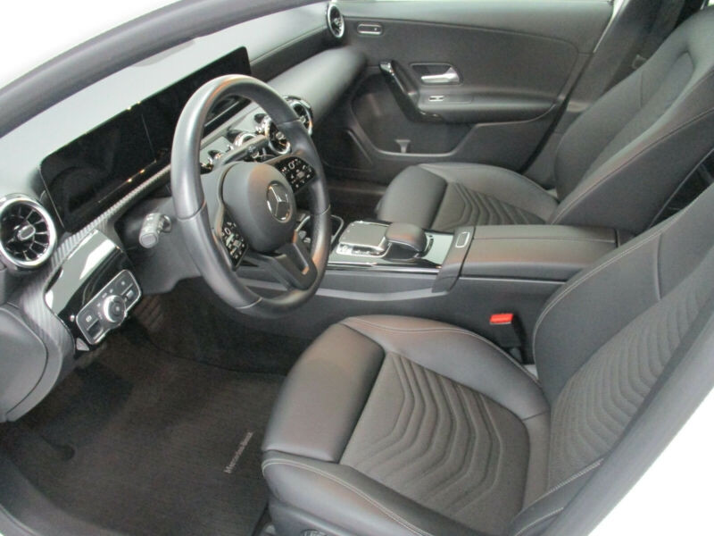 Mercedes Classe A 180 (W177) 180 D 116CH PROGRESSIVE LINE 7G-DCT Blanc occasion à Villenave-d'Ornon - photo n°8