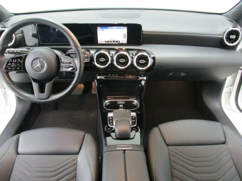 Mercedes Classe A 180 (W177) 180 D 116CH PROGRESSIVE LINE 7G-DCT Blanc occasion à Villenave-d'Ornon - photo n°9