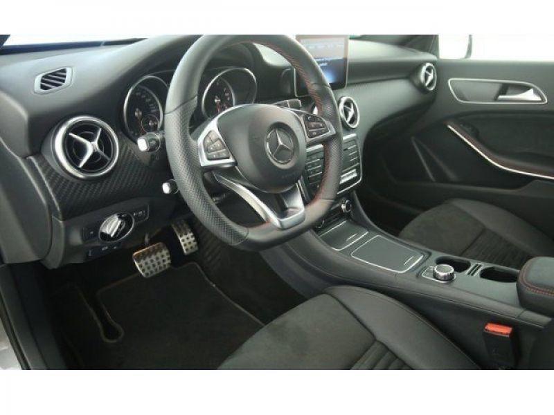Mercedes Classe A 180 180 AMG Gris occasion à Beaupuy - photo n°4