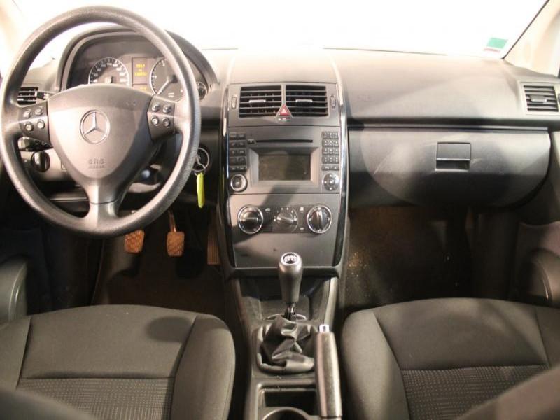 Mercedes Classe A 180 180 CDI CLASSIC 5P Gris occasion à Brest - photo n°4