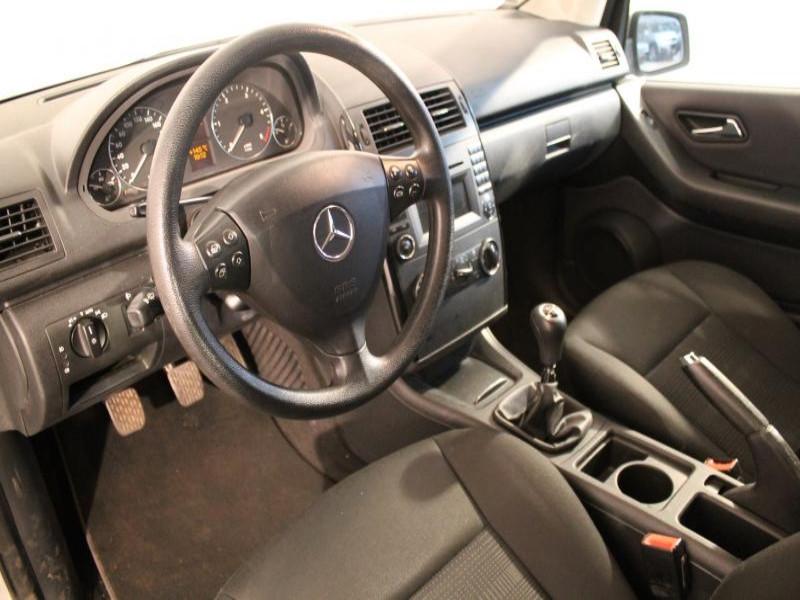 Mercedes Classe A 180 180 CDI CLASSIC 5P Gris occasion à Brest - photo n°3